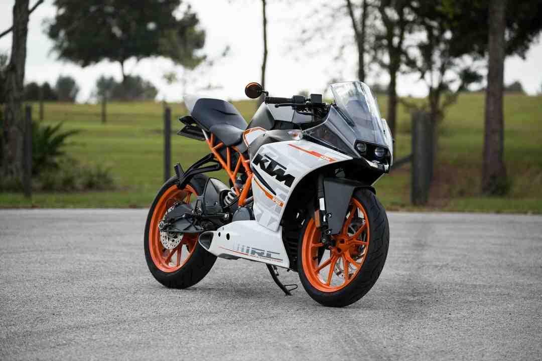 Comment démarrer sa moto à la poussette ?