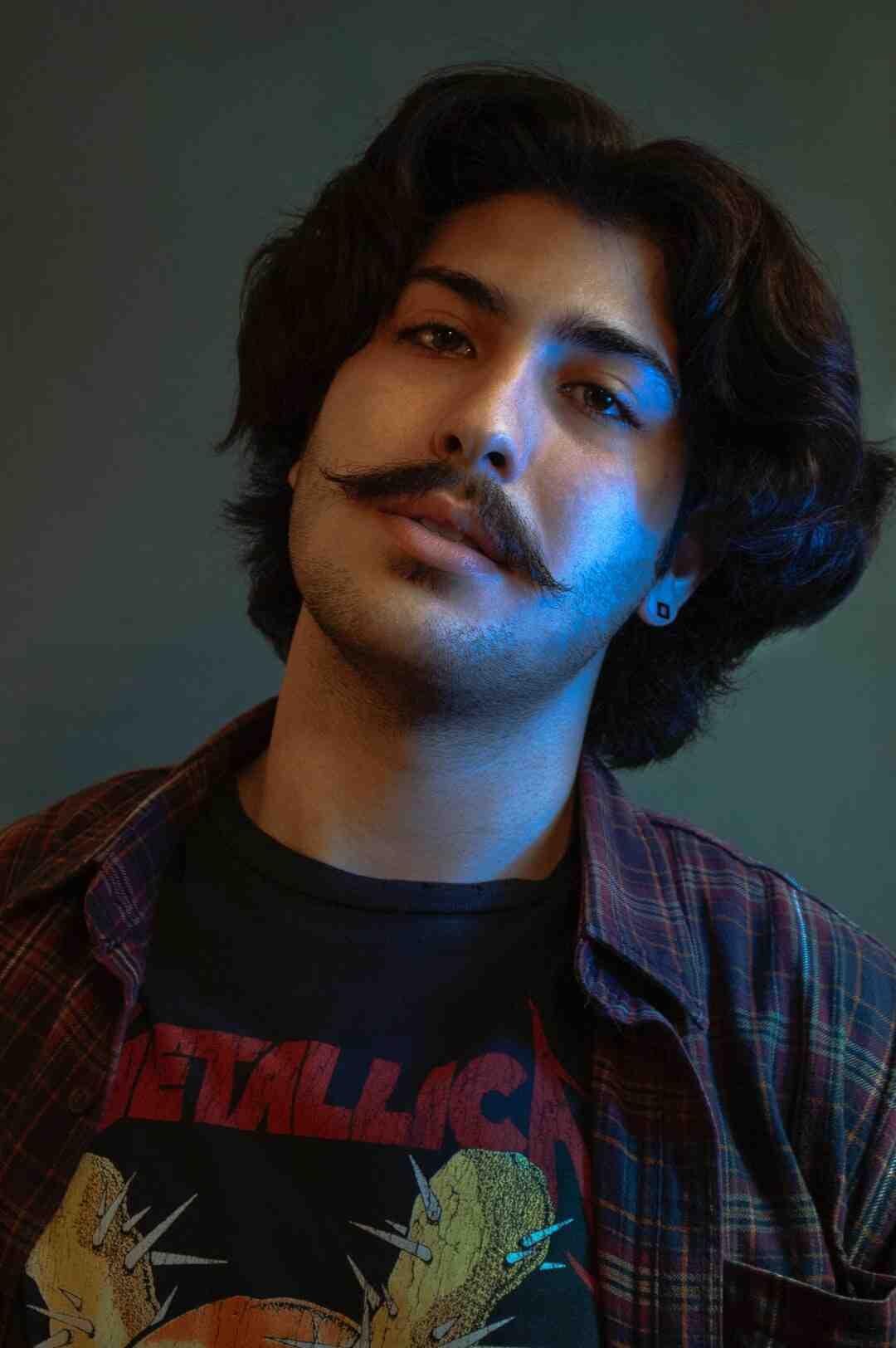 Comment raser sa moustache avec une tondeuse ?