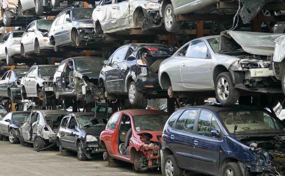 Est-ce payant de mettre une voiture à la casse ?